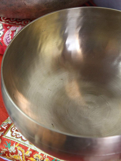 Singing Bowls Stunningly Polished New Tibetan Singing Bowl newbowl201