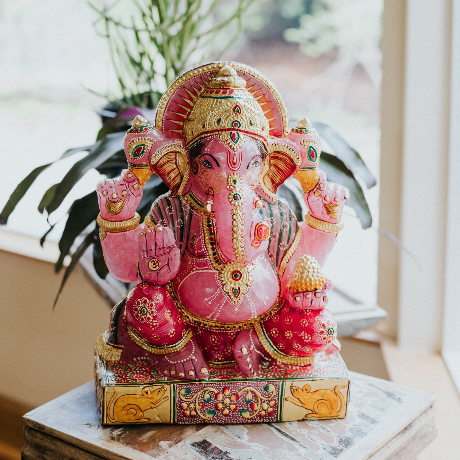 Statues Rose Quartz Ganesh Exquisite Hand Painted Statue ST218