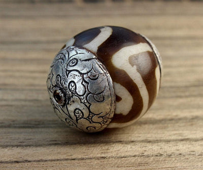 Tibetan Beads,Dzi Beads Default New Silver Capped Dzi Bead be012