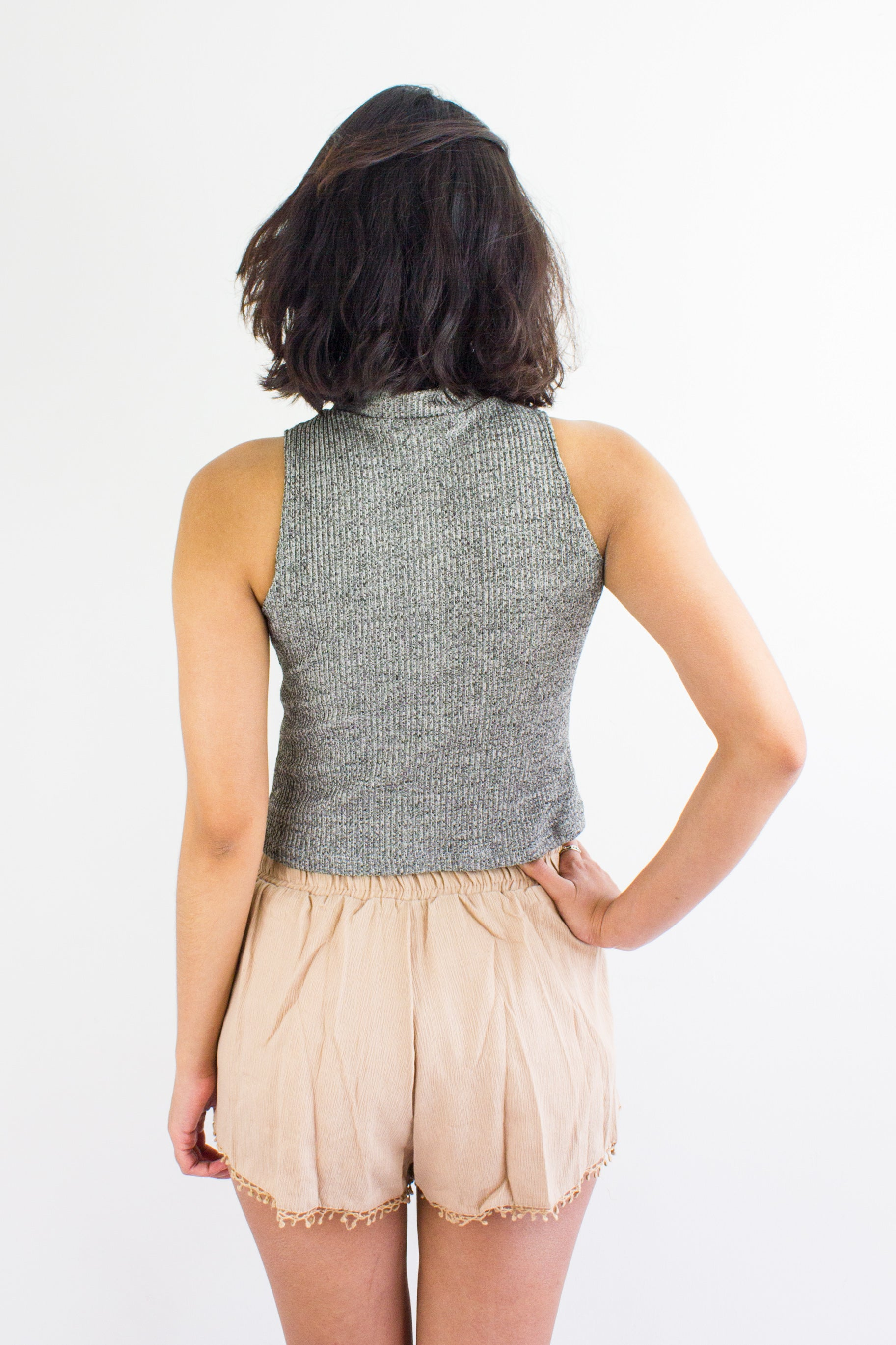 Peep Hole Top in Speckled Grey