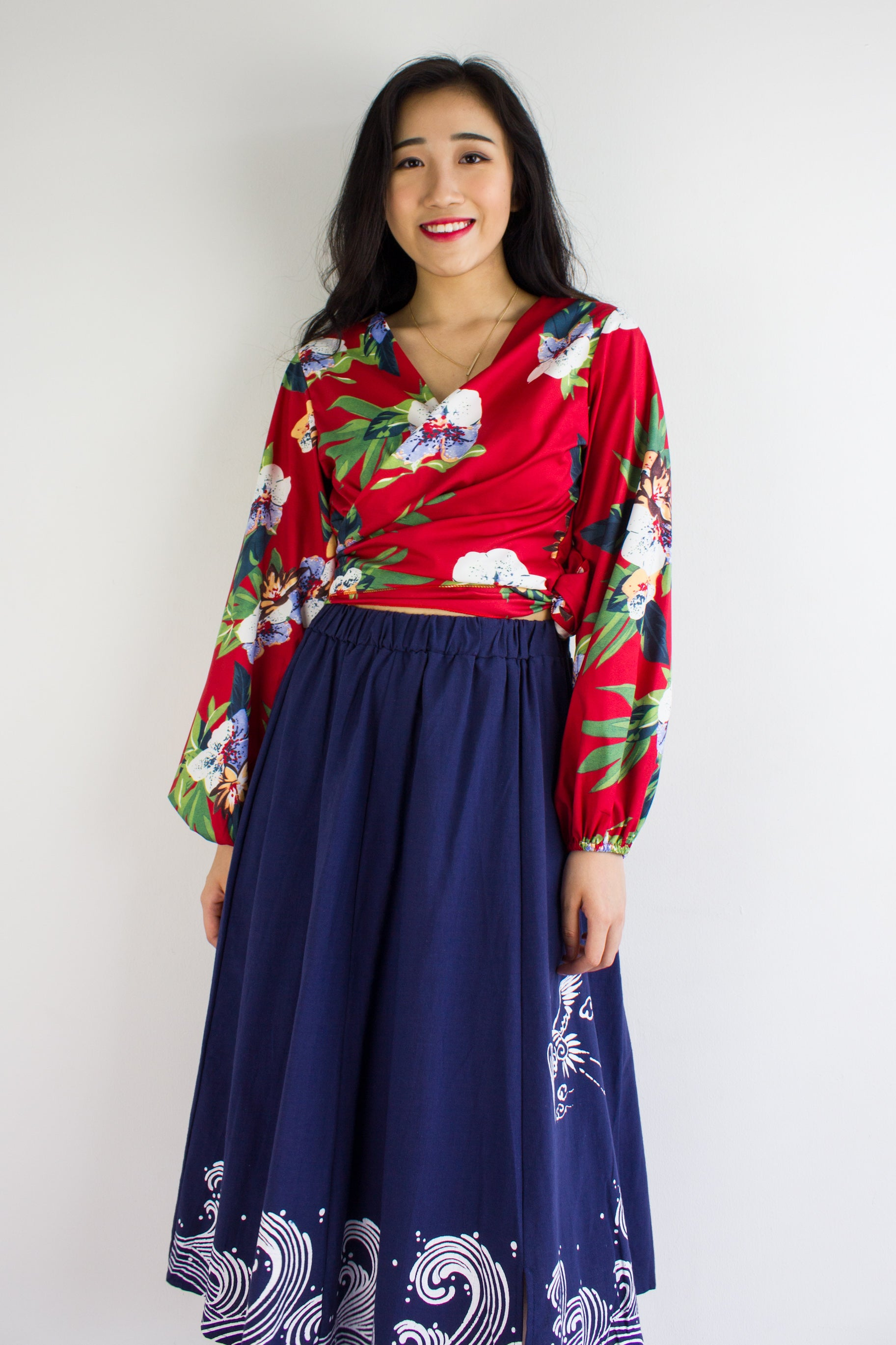 Garden Party Wrap Top in Hibiscus on Red