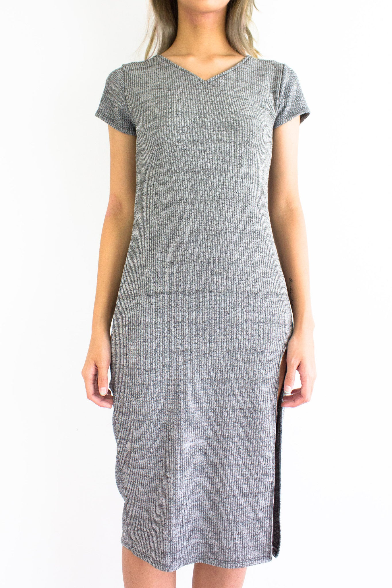 Knicely Knitted T-Shirt Midi Dress in Light Grey