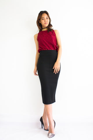 Pocketful Fitted Midi Skirt in Black