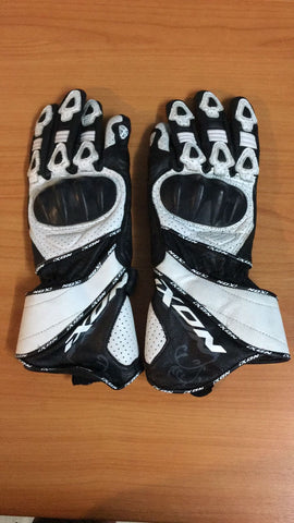 Ixon ladies racing gloves size S