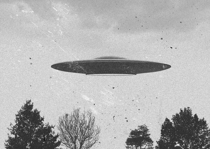 UFO Flying Saucer - Black and White