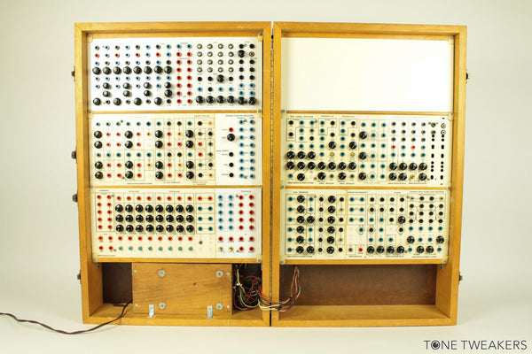 Serge Modular Music Systems Synthesizer
