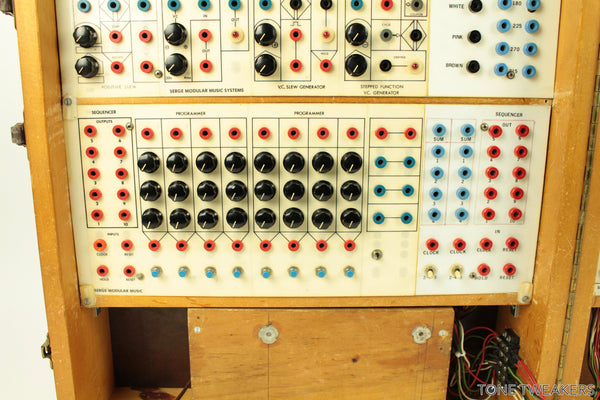 serge modular music systems synthesizer for sale tone tweakers inc. Black Bedroom Furniture Sets. Home Design Ideas