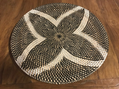 Black and White Natural Fiber Woven Placemat