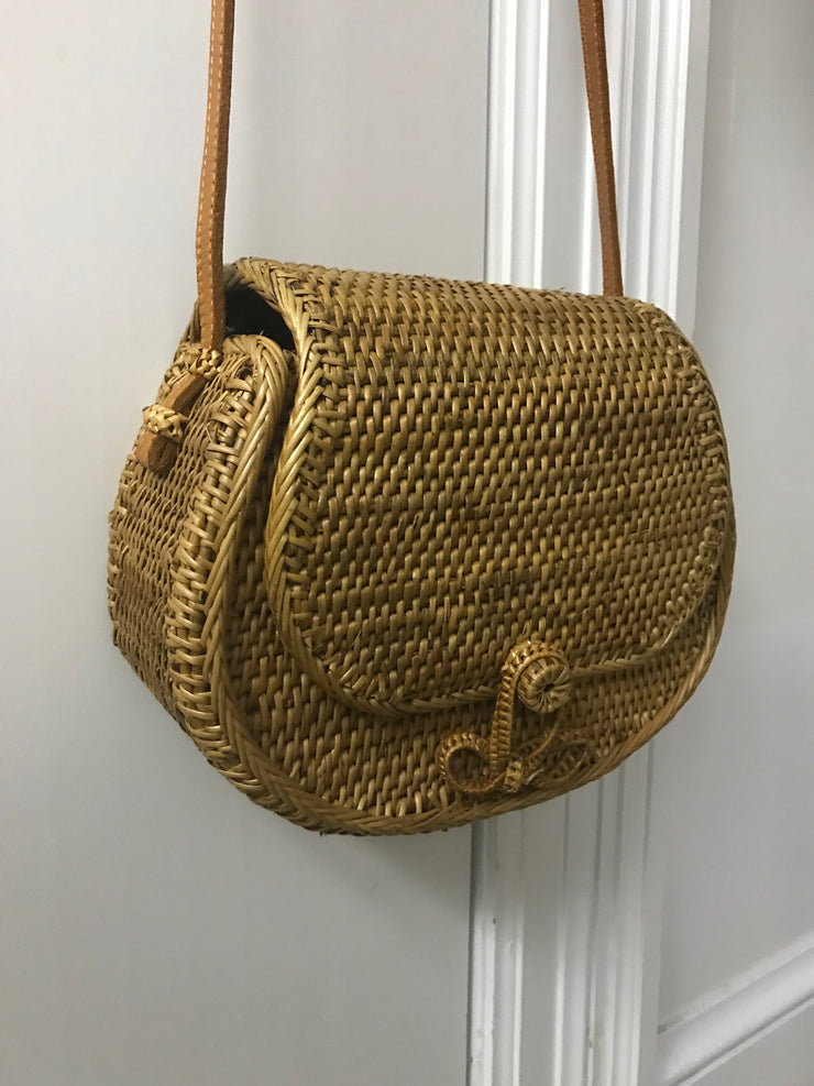 Small Curved Natural Fiber Woven Bag