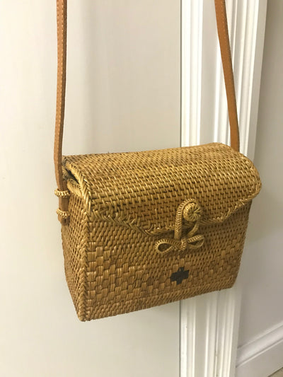 Medium Natural Fiber Woven Bag