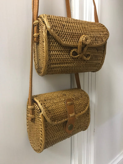 Small Natural Fiber Woven Wallet Bag