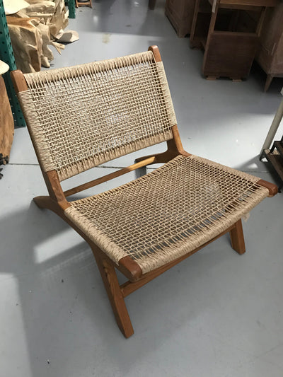 Euro Ash Natural Twisted Hyacinth Fiber and Wooden Short Relax Chair