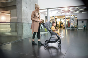 The Lighter stroller in the category with 6.9 kgs,