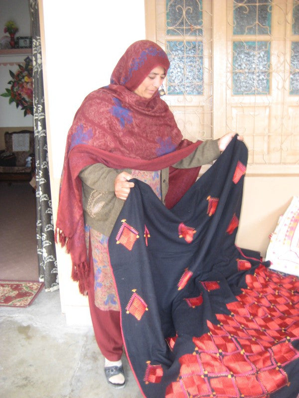 Interview - Mrs Gulshan Bibi, (WFTO) member SABAH/SUNGI Pakistan & FAIR TRADE PAKISTAN INTERVIEWS & VISITS 2011 & 2015