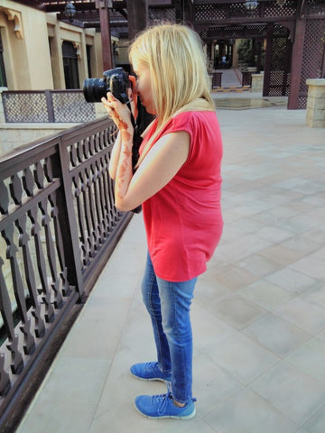 Joanna Smieja taking photographs at the beautiful Madinat Jumeirah, Dubai, UAE Oct 2017