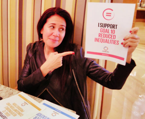 Natascia Radice supports Global Goal 10 Reduced Inequalities for the Six Items Challenge 2017 with the lilfairtrade Shop Dubai UAE