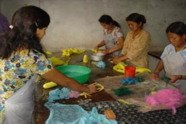 Friends Handicraft ladies - Nepal