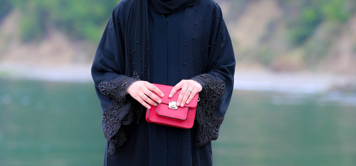 Define Modesty with Annah Hariri