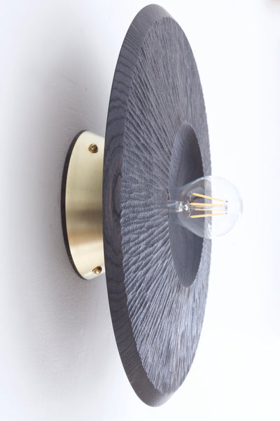 Quake sconce light