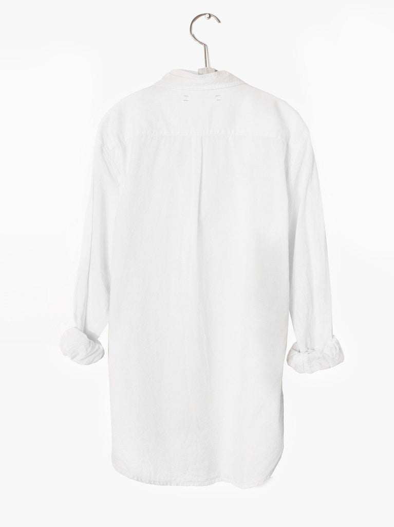 Xirena Beau Shirt in White. - WE ARE ICONIC