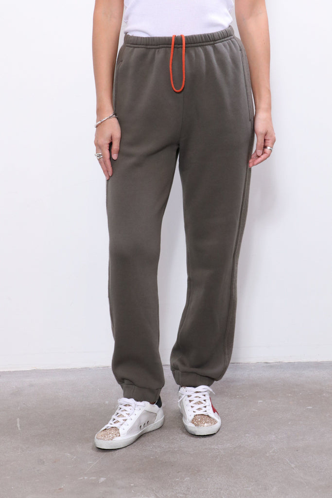 Xirena Davis Fleece Pant in Olive Stone