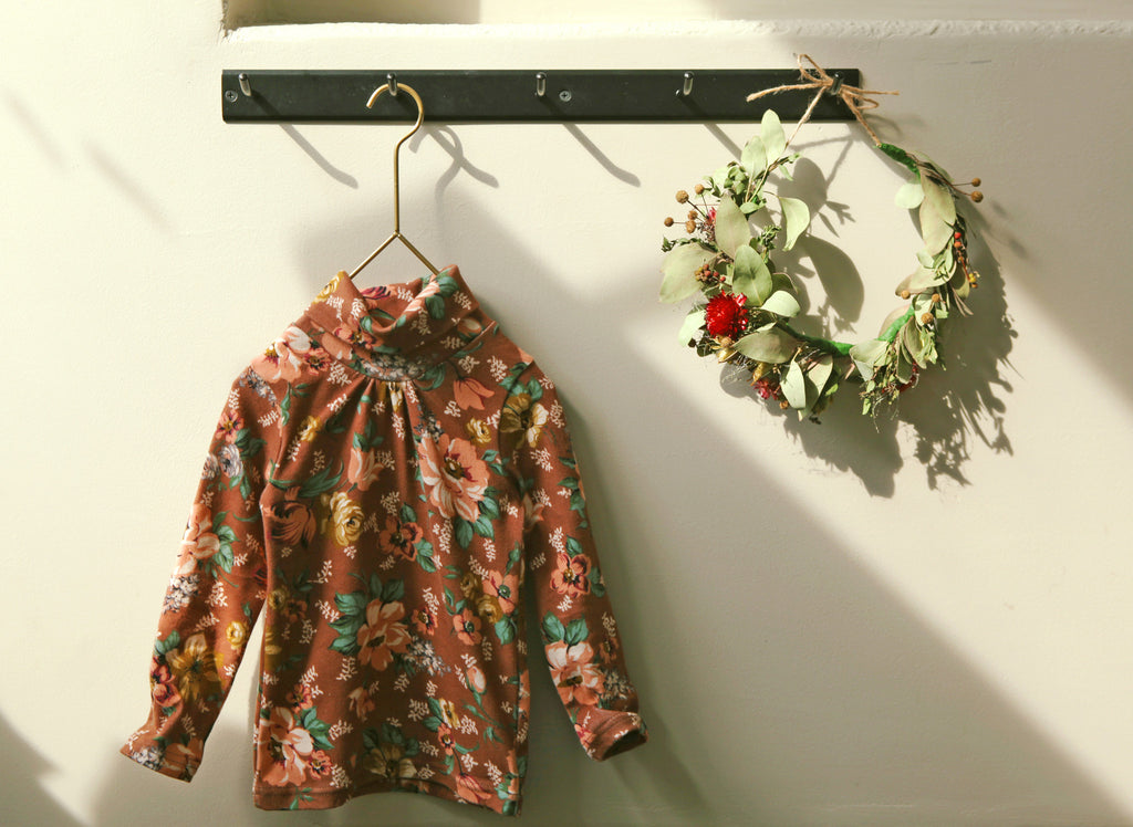 Vintage Flower Turtleneck Top - Gemgem  - 2