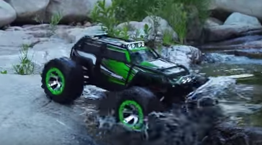 Traxxas Summit with Light Bar