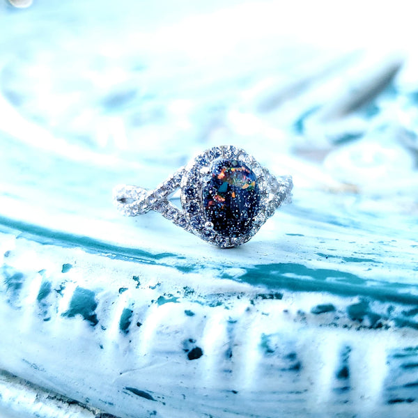 The Zero - Oval Halo Infinity Ring