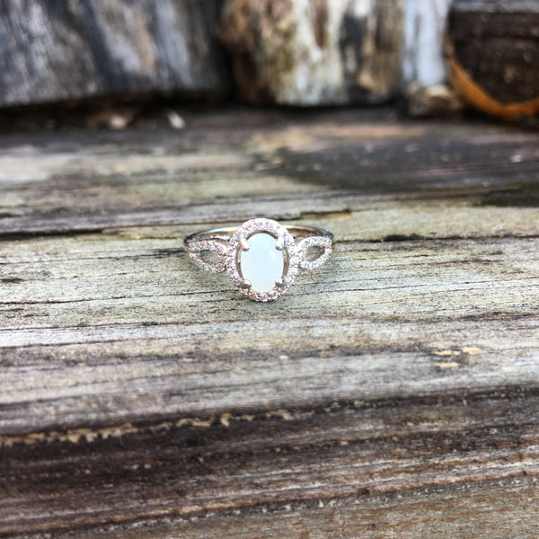 14kt Gold Oval Halo Ring