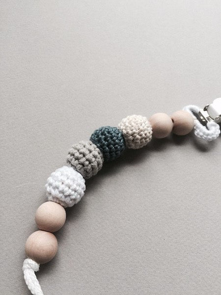 Nomilu Wood Crocheted Pacifier Clips