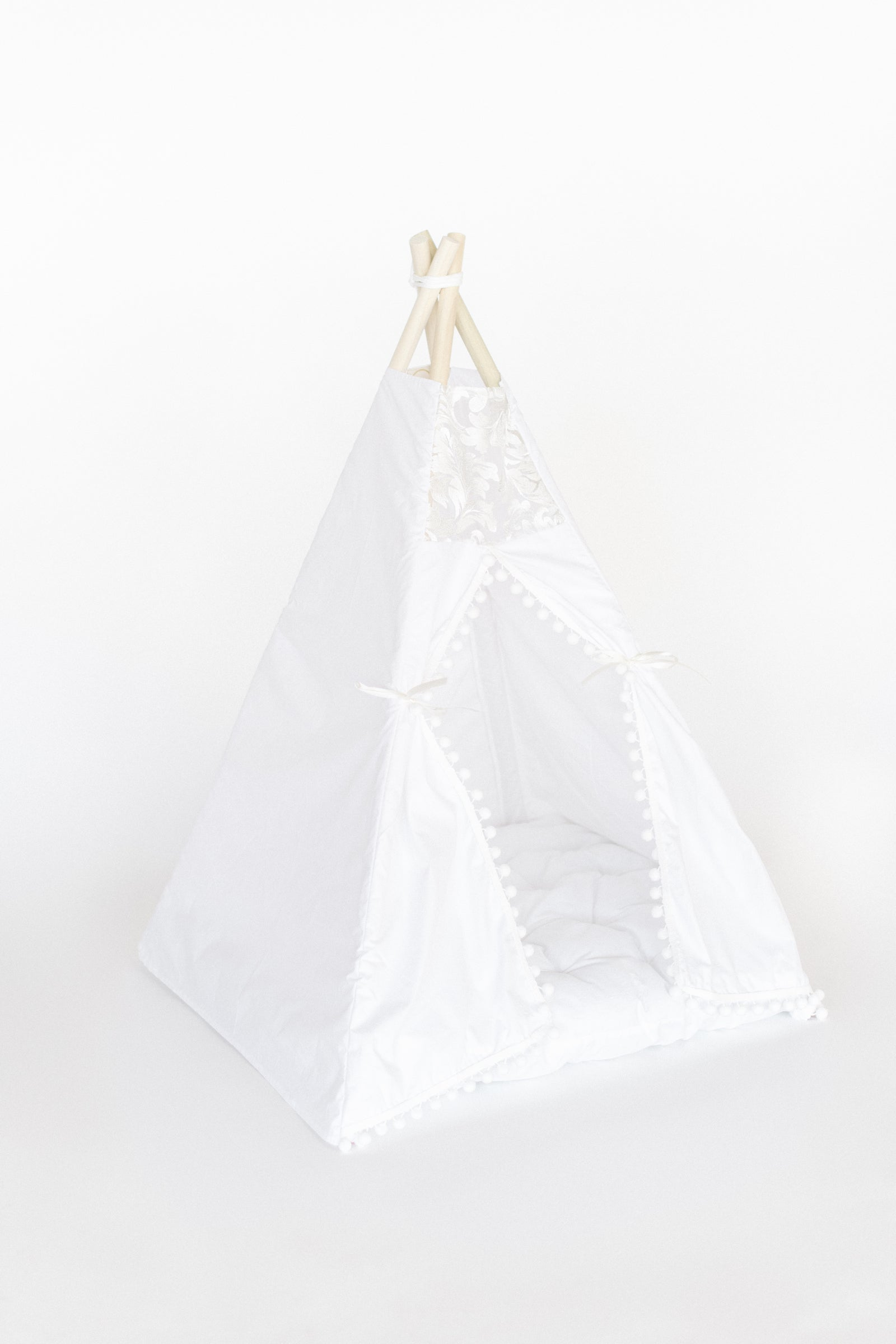 E & E Teepee: Evelyn Itty Bitty