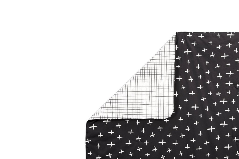 Babyletto Tuxedo Monochrome 2-in-1 Play & Toddler Blanket