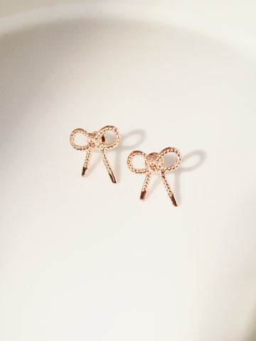 Bow earrings - Sacred Motivation
