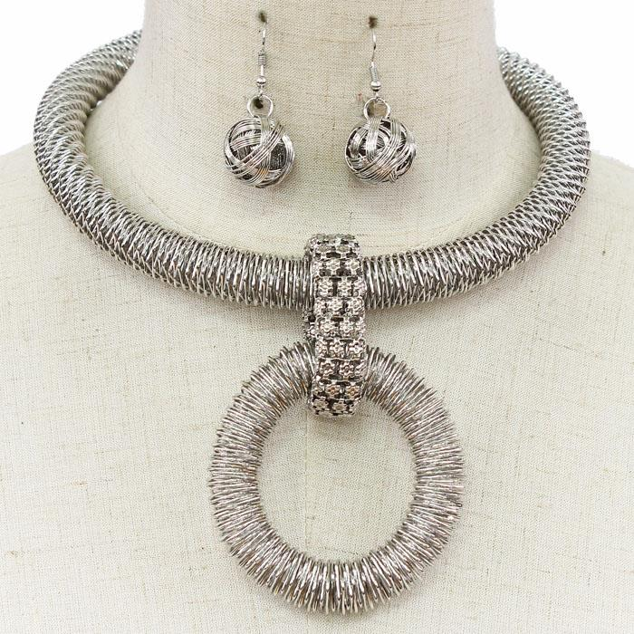 Zuri Necklace Set