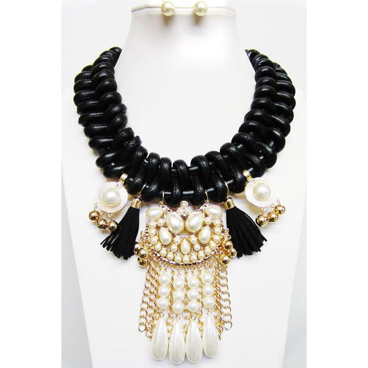 Leather N Pearls Necklace & Earring Set