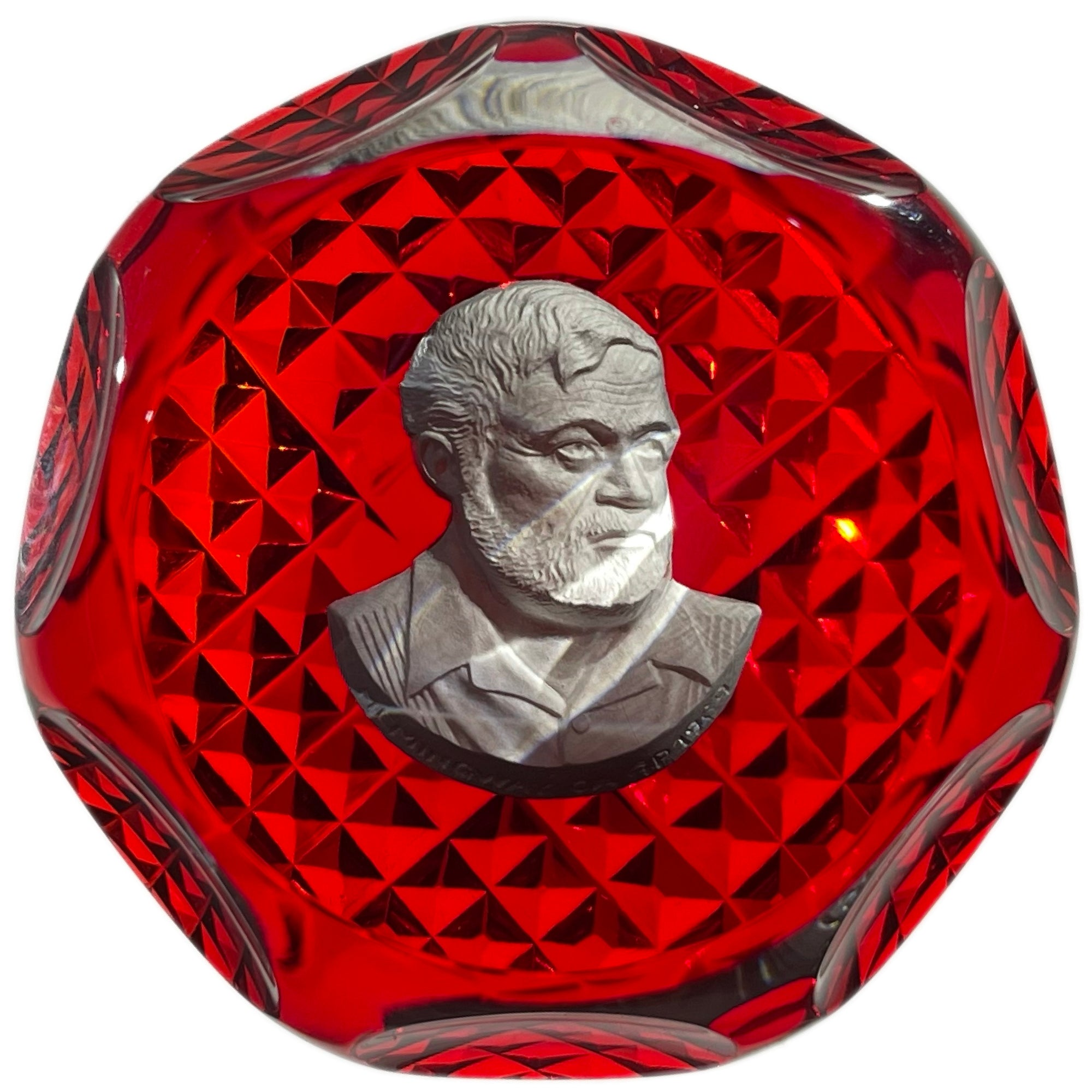 Faceted Cristal d'Albret 1969 Ernest Hemingway Sulphide on Red