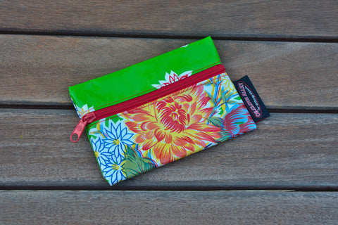 Small Oilcloth Lined Pouch - Green Mums