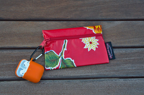 Small Oilcloth Lined Pouch - Red Mums