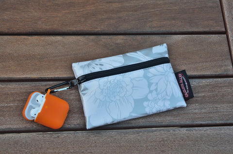 Small Oilcloth Lined Pouch - Silver Chantilly