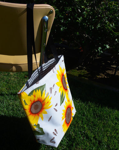 Reversible Oilcloth Totebag - Sunflower