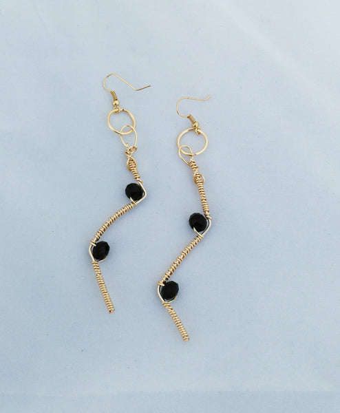 Black bead Angular earrings