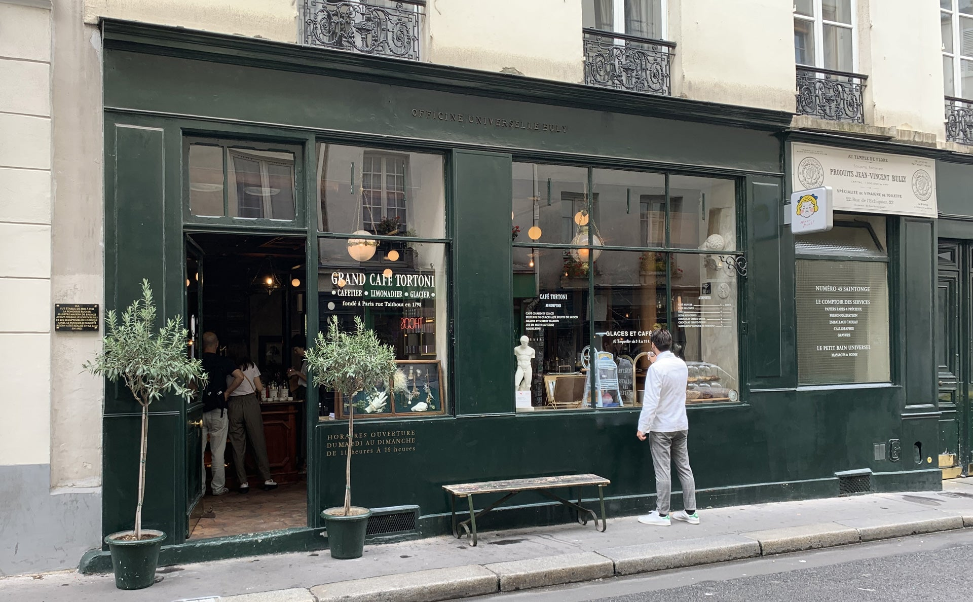 A shopping experience with 19th century charm with L'officine Universelle Buly in Paris
