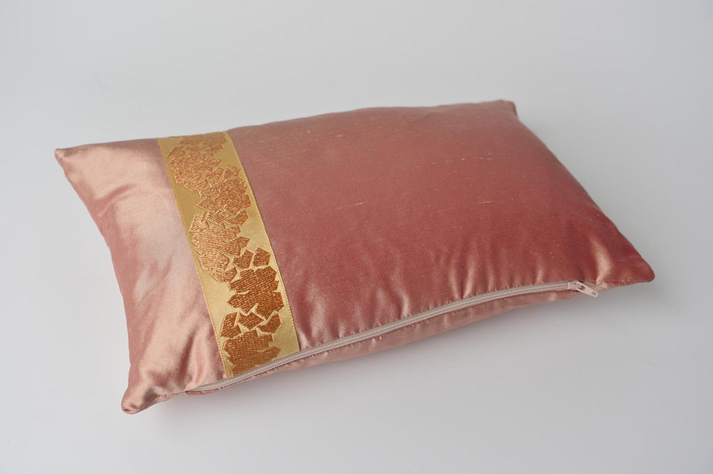 """Fragment"" Sunset pink silk cushion - L'Atelier Natalia Willmott"