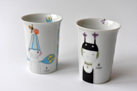 Small porcelain cup with girl / boy cartoon - L'Atelier Natalia Willmott