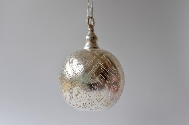 Small silver pendant light - L'Atelier Natalia Willmott