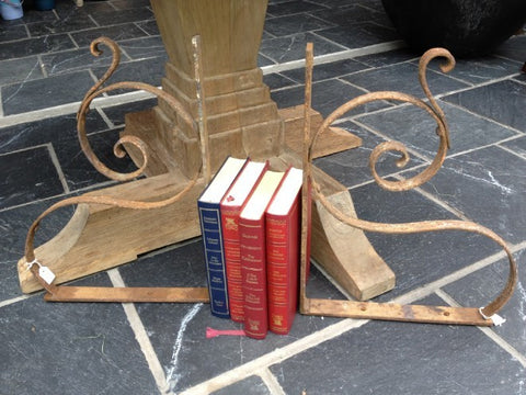 Pair of wrought iron book ends Spirale - L'Atelier Natalia Willmott