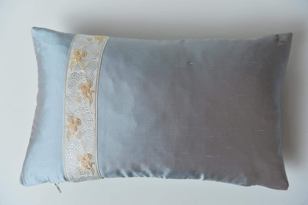 """Pensée"" Lunar grey silk cushion - L'Atelier Natalia Willmott"
