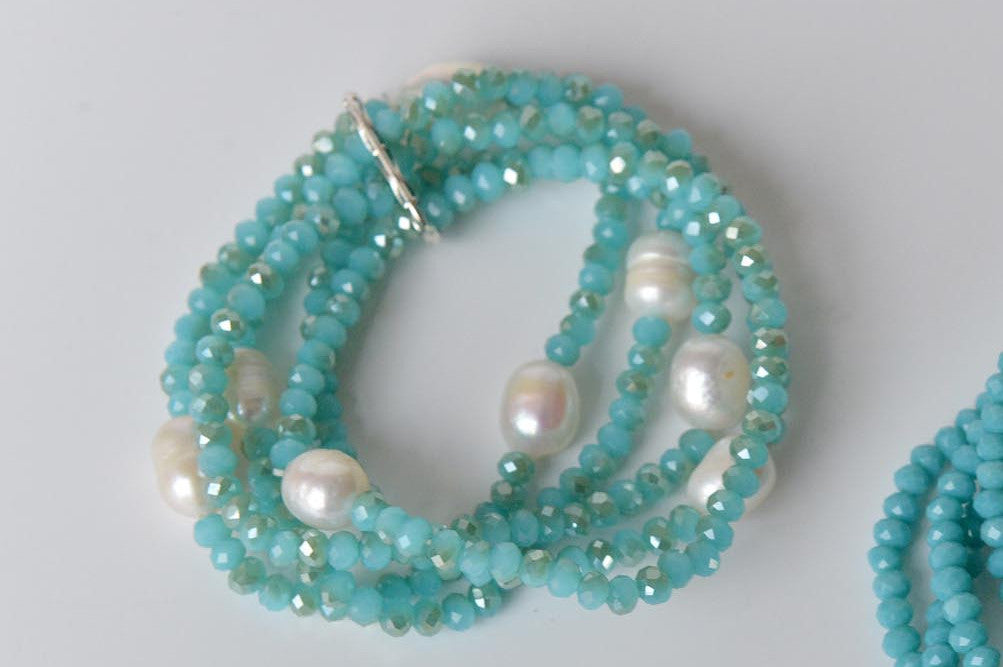 Bead and pearl bracelet in sparkly turquoise - L'Atelier Natalia Willmott