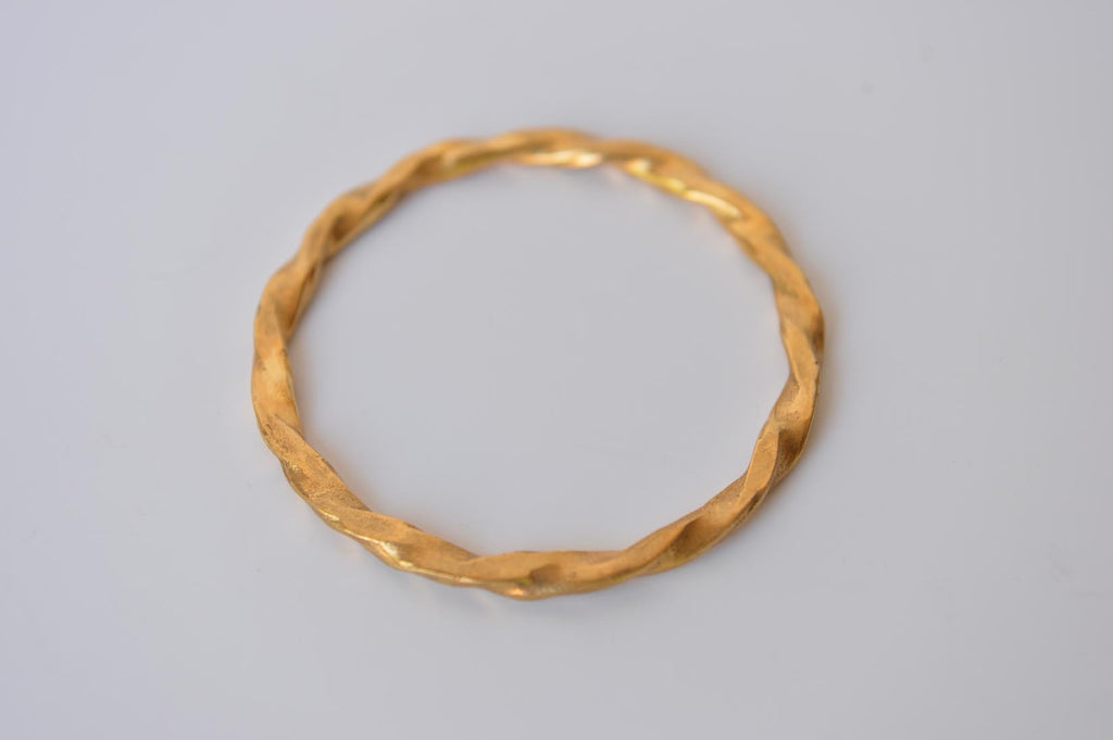 "Circular bangle bracelet ""Torsade"" by Elisabeth Riveiro - L'Atelier Natalia Willmott"