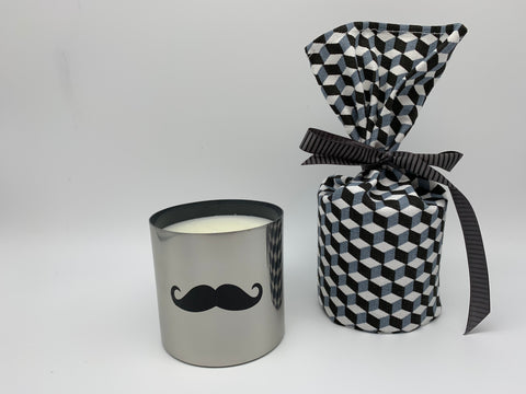 "Scented candle ""Moustache"" Amber"